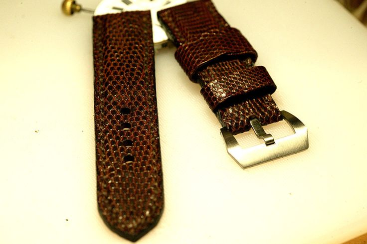 24mm natural hand made lizard leather strap :http://zappacraft.com/index.php/product/24mm-natural-hand-made-lizard-leather-strap/