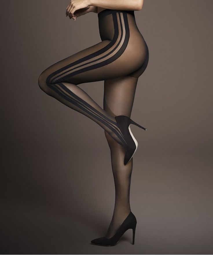 This season fashionable hosiery is an absolute MUSTHAVE! Get yours from @hunkemoller today 👌🏻🎀