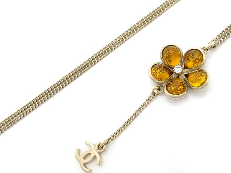 Auth Chanel Metal Flower Motif Rhinestone Necklace #42 07A (DH40062) #Chanel #Pendant