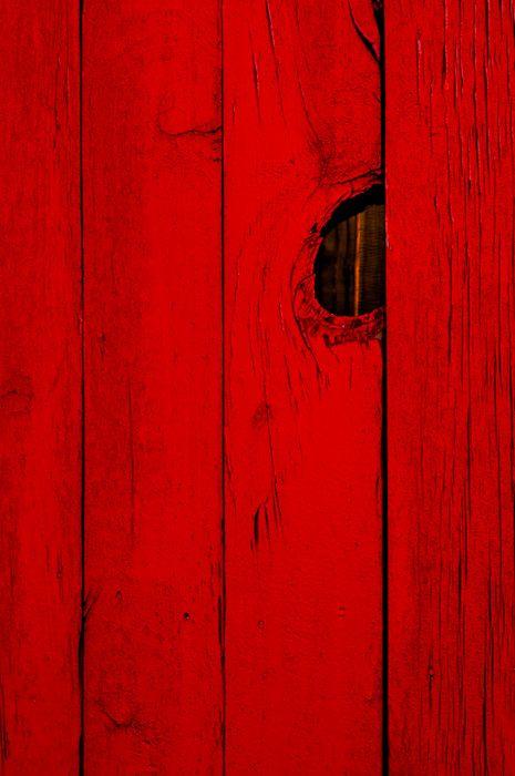 """robtmann: """"Una valla roja que me encontré en el sur de Atlanta.  Está pintado de un tono casi intimidante de rojo.  """""""
