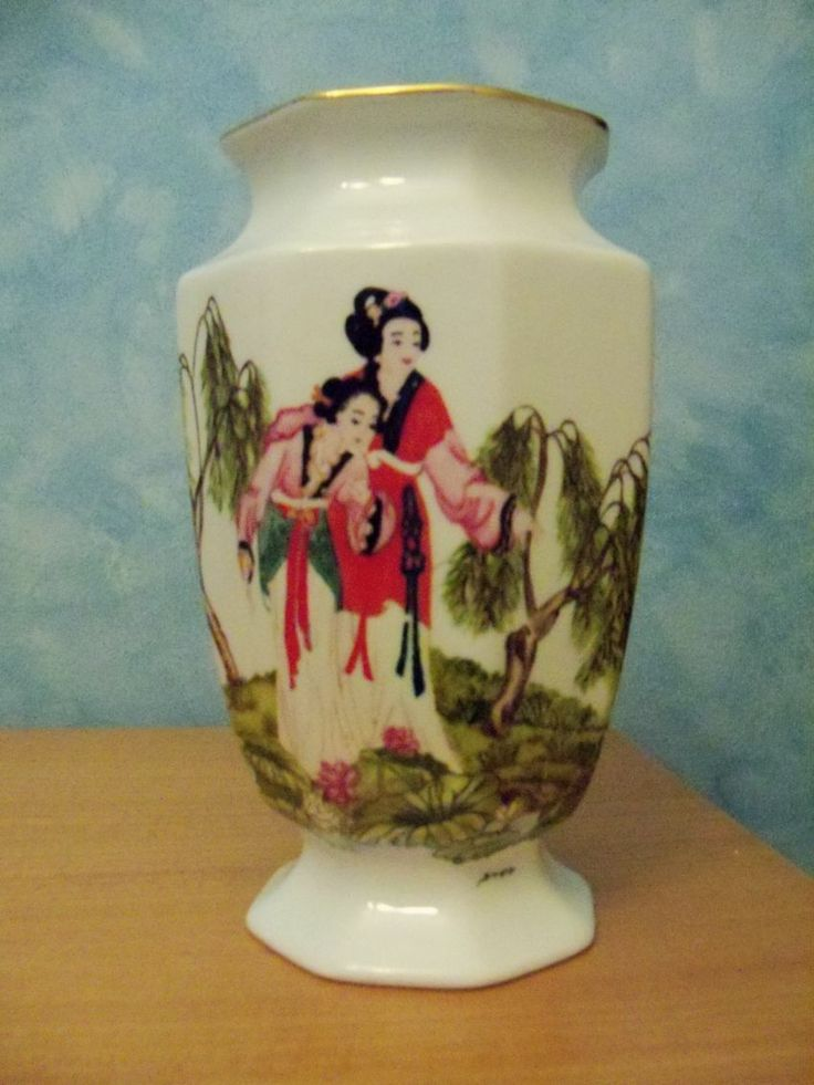 Vaso con donne giapponesi - Vase with Japanese women