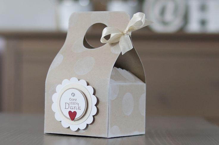 Scallop Envelope die box tutorial. Thanks Jenni!