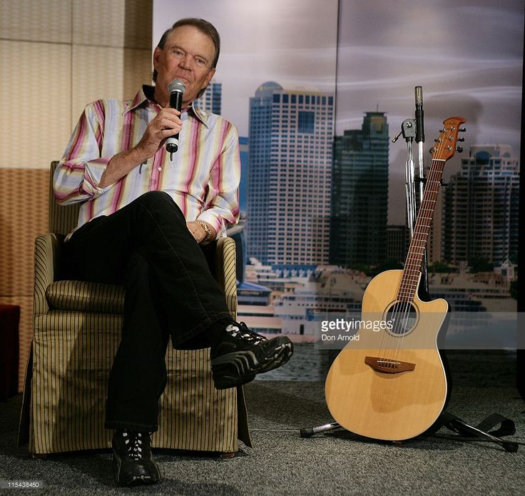Musician Glen Campbell addresses the media during a photocall at the Shangri La Hotel on January 30, 2008 in Sydney, Australia.