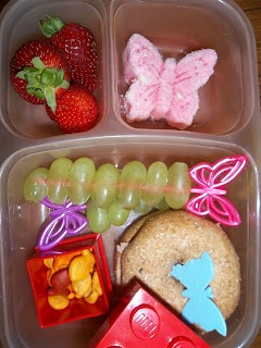 Butterfly filled lunch from Lunches Fit For a KidKids Lunches, Filling Lunches, Schools Lunches, Lunches Fit, Butterflies Filling, Lunches Boxes, Kids Snacks, Lunches Ideas, Butterflies Lunches