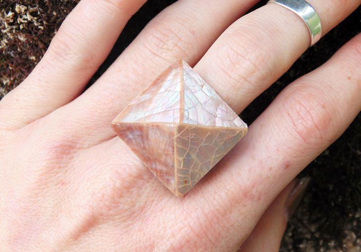 Vintage Shell Pyramid Ring Feathermoon Byron Bay JEWELLERY ⋄ HOME ⋄ FASHION ⋄ ART ⋄ LIFESTYLE