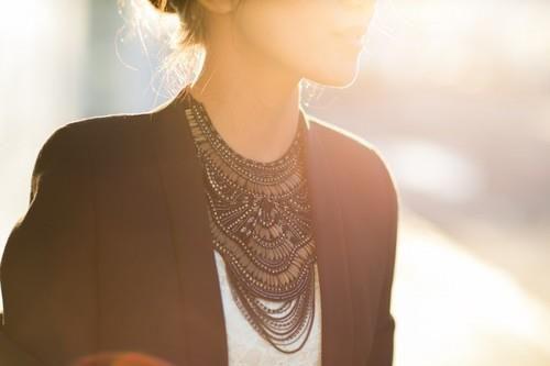 Statement necklaces,κολιέ,πως να φορέσεις,μόδα 2013,τάσεις μόδας,μόδα άνοιξη 2013,galsnguys,gals and guys