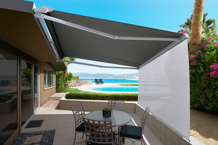 The Luxaflex Ventura Awning is an affordable folding arm awning system without hood as standard, ideal for fitting under an eave. The optional integrated Ventura trend/rain hood covers the awning and protects the fabric and components when it is fully retracted. #luxaflexaus #luxaflexnewyearsale #venturaawning #luxaflexventura #awning