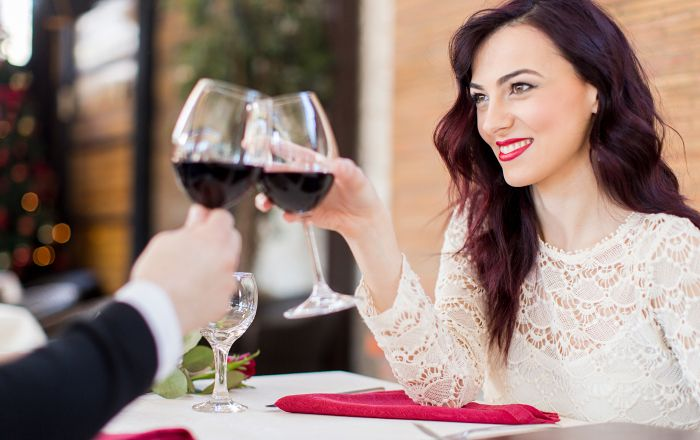 Ett glas vin om dagen är bra för hälsan, menar forskare.