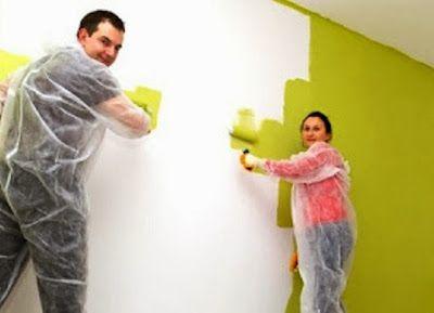 Menggunakan cat adalah salah satu cara termudah untuk mempercantik rumah. Bahkan dekorasi ulang sebuah ruangan dapat dimungkinkan hanya dengan mengganti warna cat saja. Beberapa pemilik rumah dapat melakukannya sendiri. Tapi ada beberapa hal yang perlu Anda pertimbangkan jika Anda ingin mengubah warna cat interior rumah Anda.