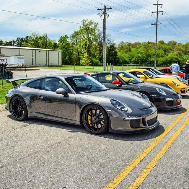 Porsche meeting