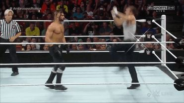 13 Cool GIFs from Seth Rollins vs. Dean Ambrose on RAW | Daily Wrestling NewsDaily Wrestling News