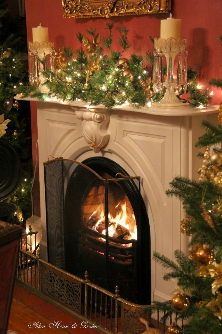 Christmas Fireplaces Pictures 422 Best Christmas Mantels Images On Pinterest  Christmas Mantles