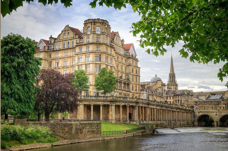 26 unglaublich romantische Reiseziele, die deiner Beziehung guttun #refinery29  http://www.refinery29.de/26-unglaublich-romantische-reiseziele-die-deiner-beziehung-guttun#slide-4  Wenn ihr euch in einen Roman aus dem 19. Jahrhundert versetzen möchtet: Bath, EnglandStellt euch vor: Ihr beiden Partner kuschelt miteinander beim Teetrinken in einem gemütlichen Häuschen auf dem Lande in England. Klingt ziemlich idyllisch, oder? Genau das könnt ihr in Bath erleben. Mit märchenhafter Architektur…