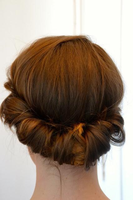 17 best ideas about chignon headband on pinterest tutoriel de bandeau tress tuto coiffure - Chignon avec headband ...