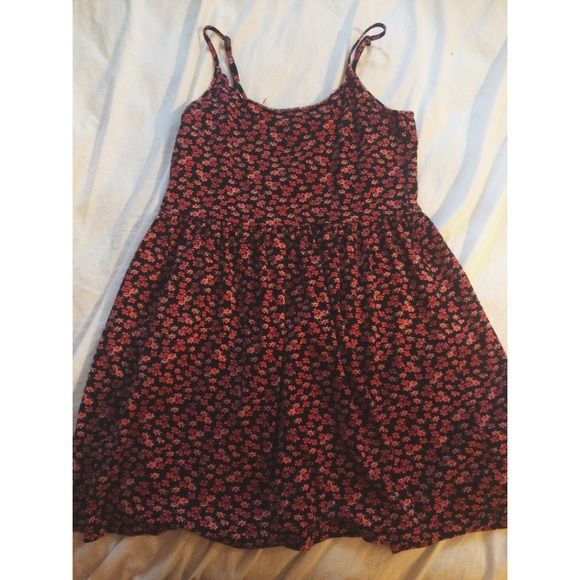 Grunge red floral dress✌️ So cute, great condition. Really a comfy go- to dress. Pair with some leather boots or jacket and you got a grungy bad ass outfit! No trades offers welcomed. U.o for views!! Urban Outfitters Dresses Mini