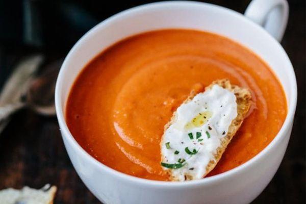 9 υπέροχες συνταγές για ζεστές χειμωνιάτικες σούπες.
