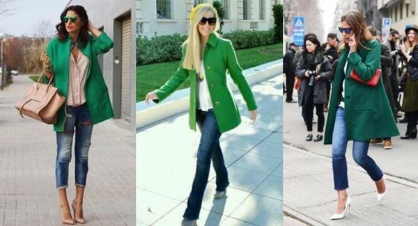 Cappotto verde con jeans