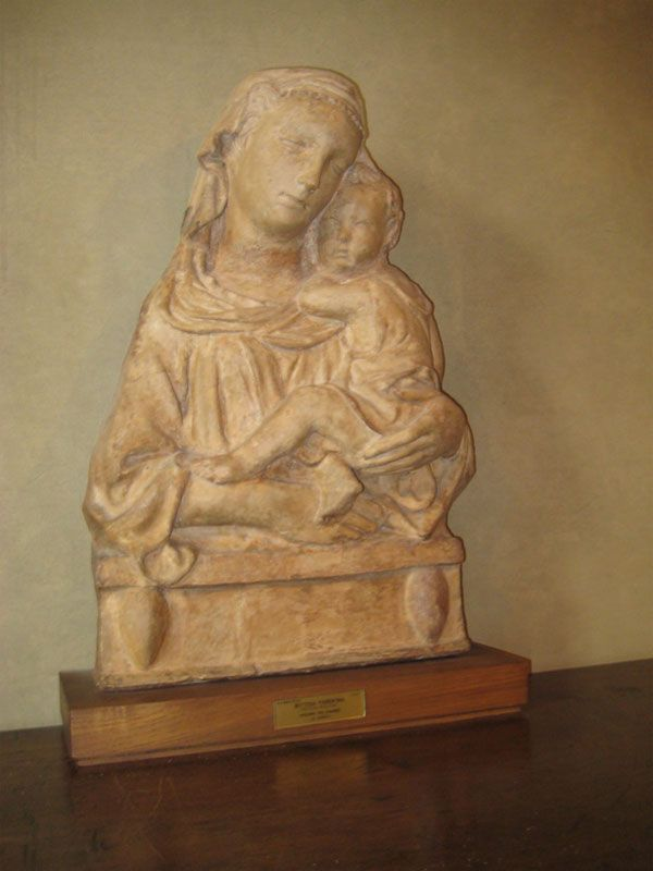 Palazzo Davanzati - Florence. Filippo Brunelleschi. Madonna and child.
