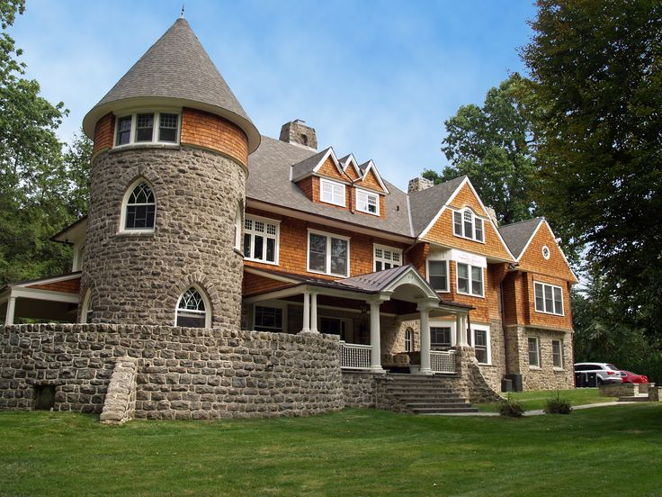 43 best images about exterior colors on pinterest cedar for Stone and cedar homes