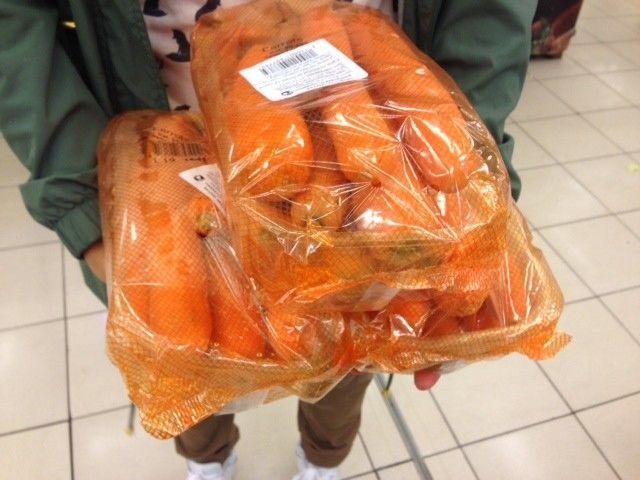 Довольно мало калорий в овощах, например, чтобы съесть 1000 калорий, надо 3 кг морковки