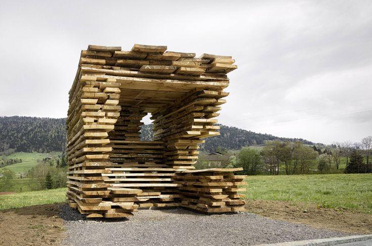 Bushaltestelle in Krumbach von Ensamble Studio mit Dietrich Untertrifaller Architekten