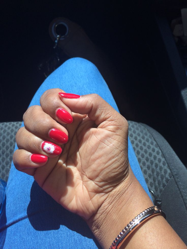 Red almond nails