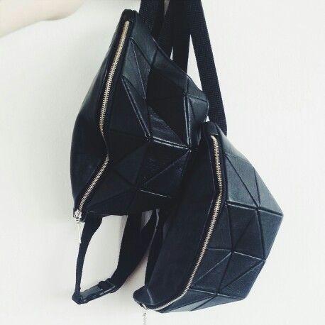 Kosiniec - black leather geometric bumbags