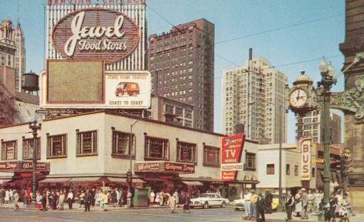 POSTCARD - CHICAGO - STATE AND RANDOLPH - LOOKING NE - MARSHALL FIELD ON RIGHT - WALGREENS - ZENITH STORE - 1950s
