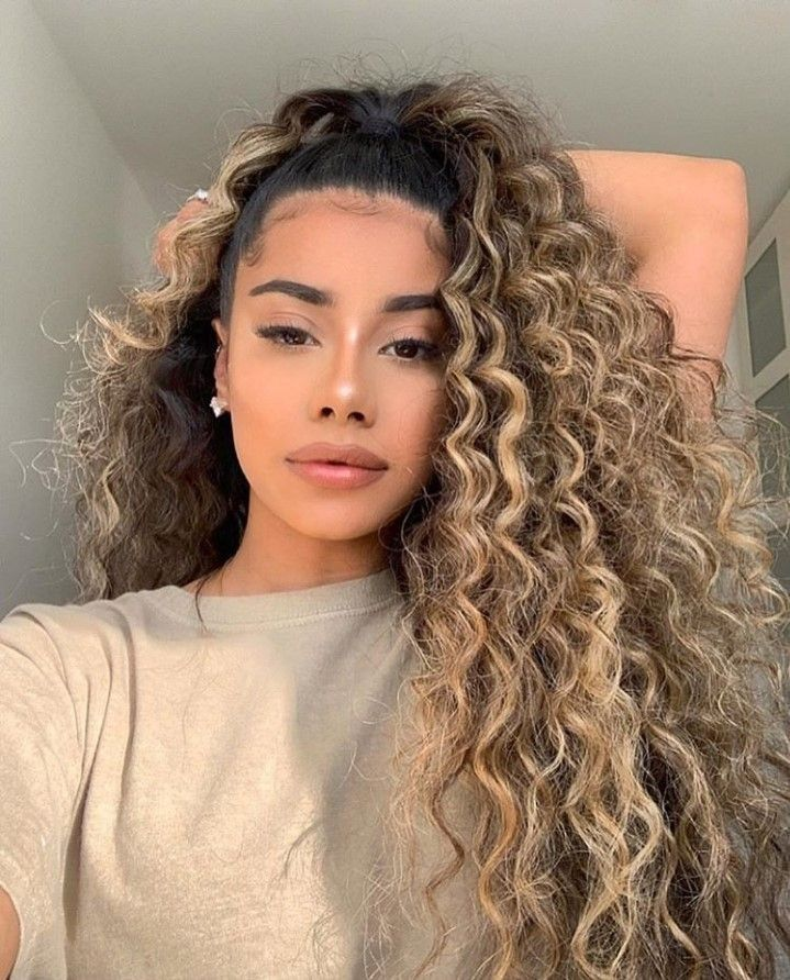 Cachos super definidos: Finalização com dedoliss | Curly hair styles, Blonde curly hair, Hair styles