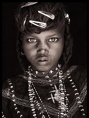 the eyes: Girls, Faces, Africans Tribes, Beautiful, John Kenny, Portraits, Hair Clip, Hairclip, Crazy Eye