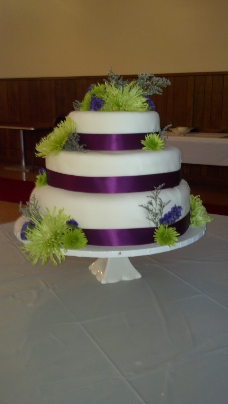 purple and lime green wedding cakes purple and green wedding cake www imgkid the image 18862