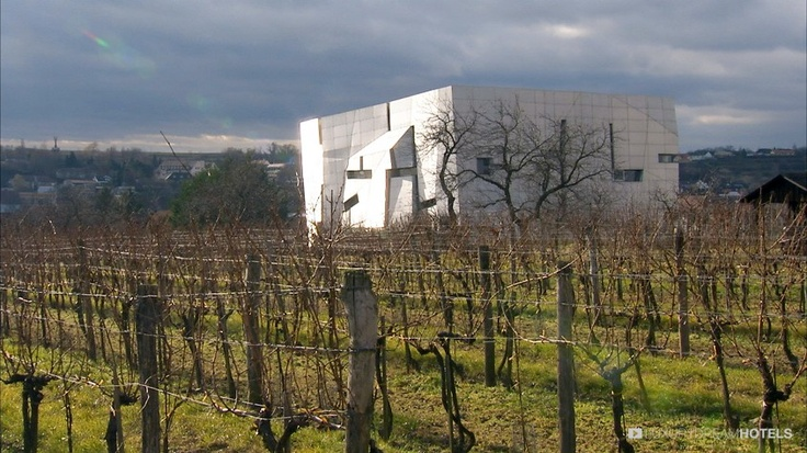A cube of aluminium and glass designed as a metaphor of the vine, by New York architect Steven Holl - Loisium Wine & Spa Resort Langelois, Austria