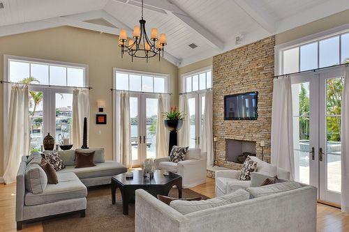 ceiling, windows, fireplace.. love