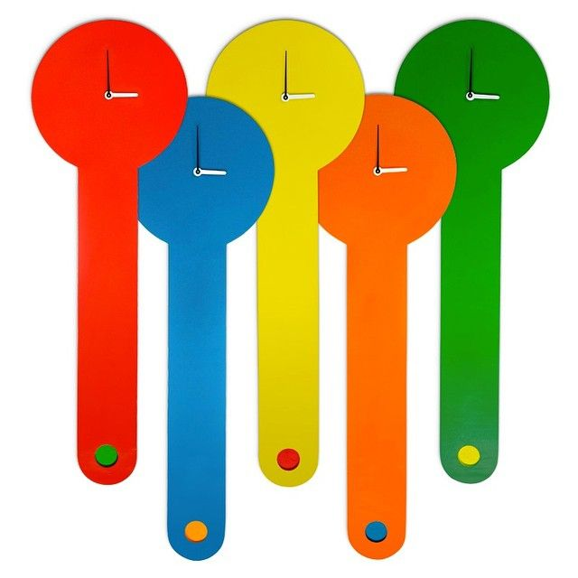 What time is it?! Calentura wall clocks to start off your 2015. Happy new year everyone.:) #ylayastudio #wallclocks #woodworks #homeaccessory