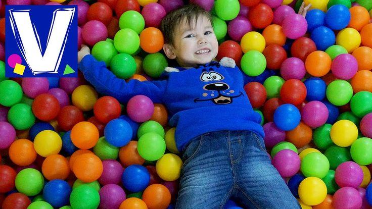 Центр развлечений для детей Джой Ленд Одесса. Влад катается на горках, прыгает на батутах, в бассейн с шариками и поролоновую яму, играет в детском лабиринте...