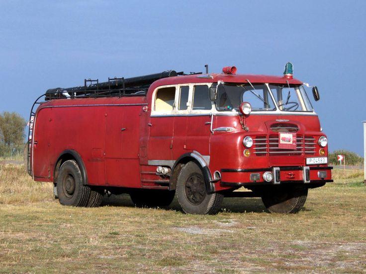 Csepel D-710 firetruck