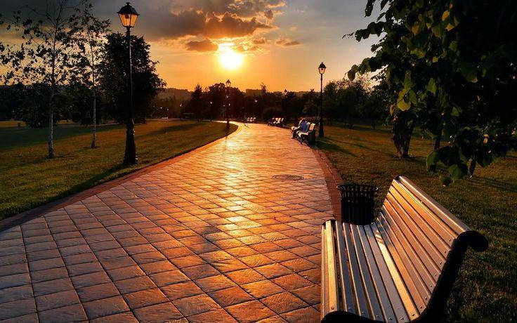Парковые скамейки: как Ялта облагораживает набережную http://www.rubaltic.ru/press/skameyki190916/ #сад #город #парк