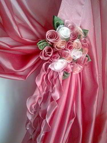 The manufacture of a bouquet of roses out of fabric for curtains / Amazing Handmade