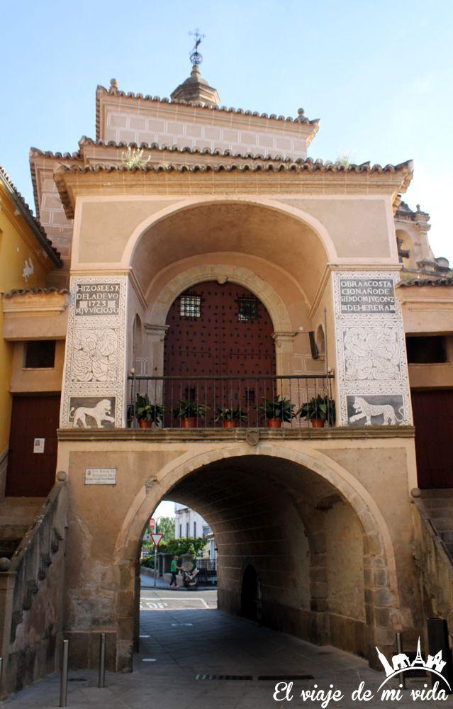 Puerta Trujillo Plasencia Extremadura España