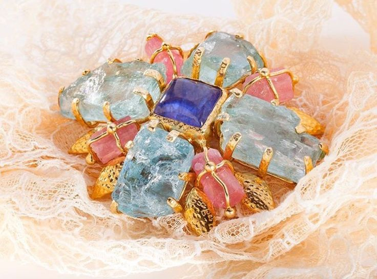 Брошь.🌸 Топазы. Серебро. Позолота. #laressjewellery #love #beautiful #instagram #style #like #beauty #repost #jewellery #laressart #art #moscow #russia #ручнаяработа