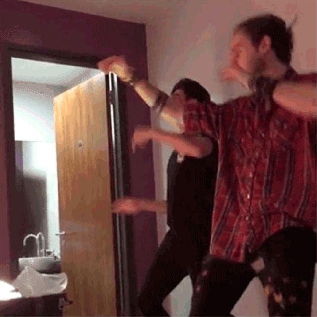5SOS's Calum Hood and Michael Clifford dancing to Silento's 'Watch Me (Whip/Nae Nae)' is everything - Sugarscape.com. <<look at Mikeys hand when he whips!!!