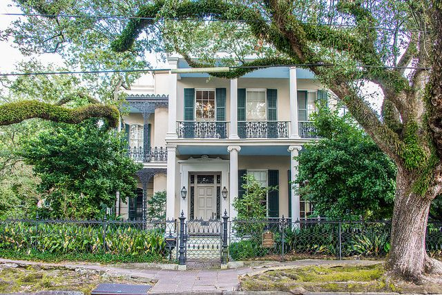 11 Literary Landmarks of New Orleans (And Books to Read Before Visiting)