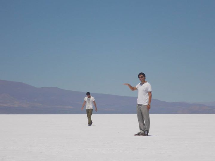 Federico is one of our #LocalExperts, he #traveled to #Uyuni , in #Bolivia, to visit #flamingos from the high plateau #lakes and overfly the world's largest #SaltFlat through its reflection. It was an amazing #trip, of which we can learn much more by reading this article > http://goo.gl/h95GoF ● Federico es uno de nuestros #ExpertosLocales, viajó a #Uyuni , en #Bolivia , para visitar a los #flamencos de las #lagunas del #altiplano y volar en el reflejo del #salar más grande del mundo. Fue un…