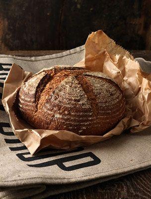 teljes kiőrlésű kenyér otthon sütve