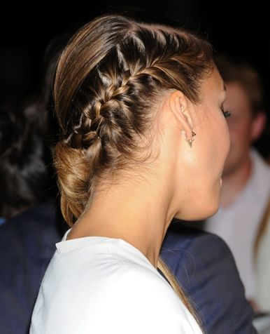 My daughter can do this on her own hair WOW,  I can't ......Jessica Alba