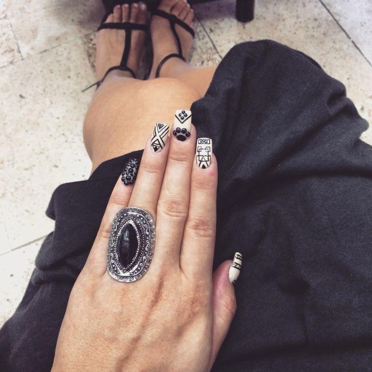 #nail #nails #beige #black #aztec
