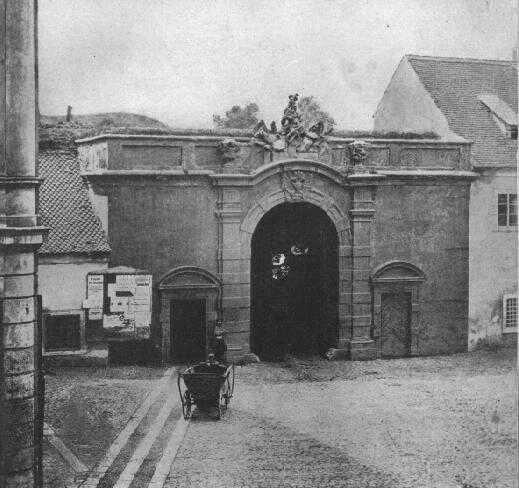 Újezdská brána