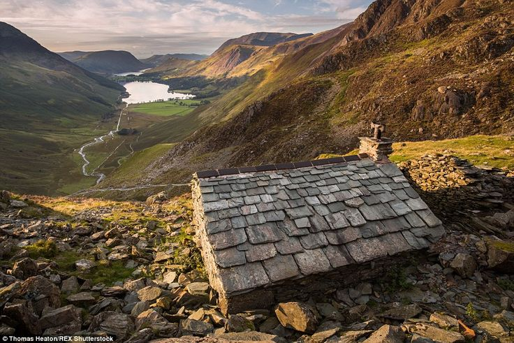 Green Crag Quarry Bothy overlooks the Buttermere Valley in the Lake District