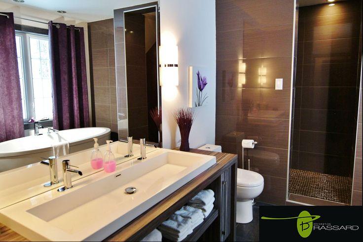 Voici des concepts uniques comme vous!! salle de bain wow!. couleur mauve aubergine, chic