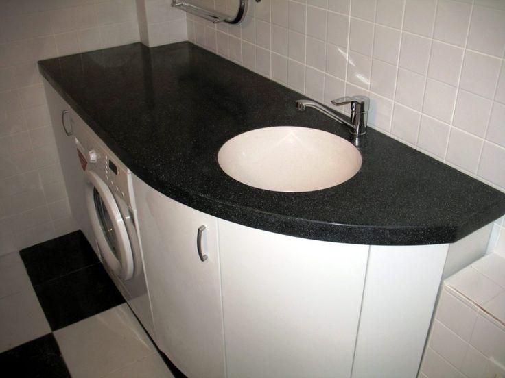 стиральная машина в ванной комнате